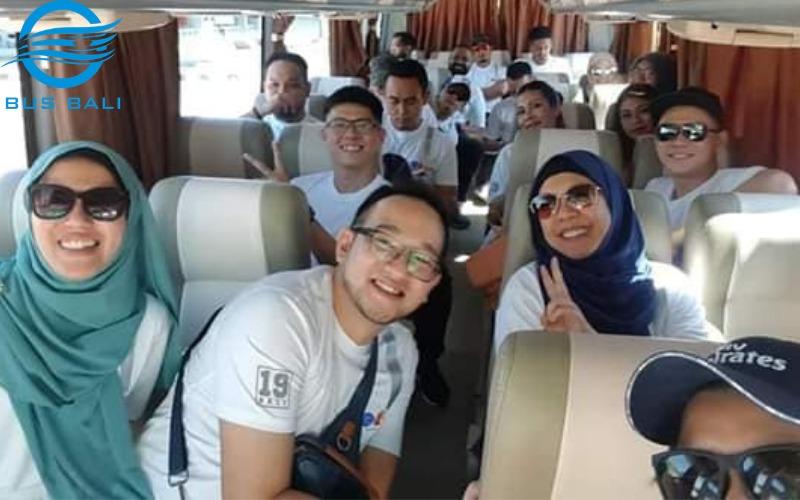 Tour di Bali dengan Bus