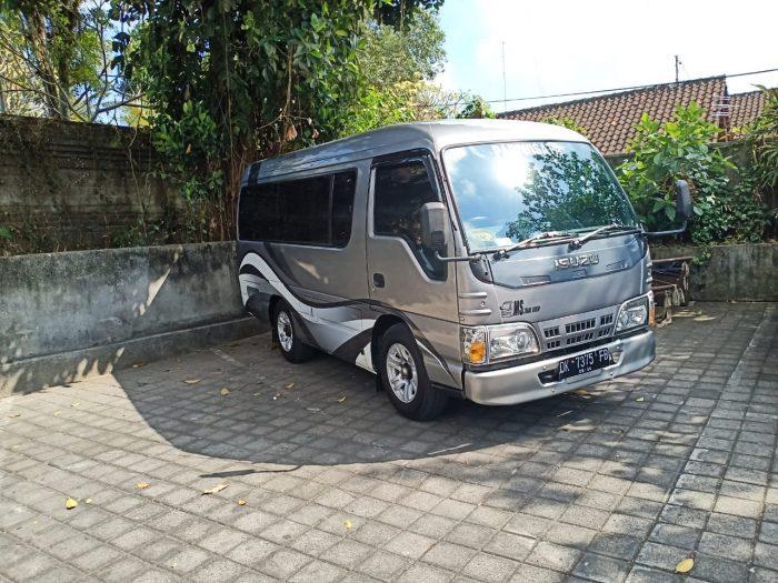 sewa minibus bali 12 seats